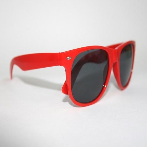 Óculos de sol colorido