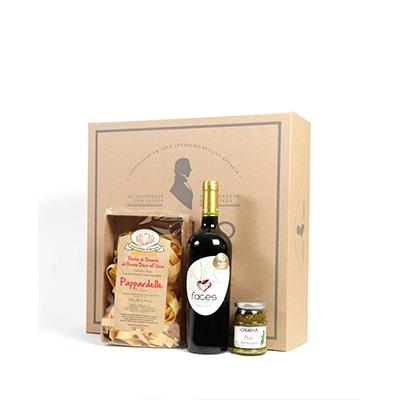 Kit Gourmet com massa especial italiana, molho pesto e vinho tinto